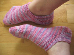 Knitted Ankle Socks Patterns Free : the blue blog patterns: alisons ankle socks